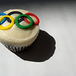 Beijing 2008 Olympic Cupcake by Clever Cupcakes at flickr CC BY-NC-ND 2.0